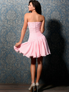 Lovely A-line Sweetheart Short/Mini Crystal Sweet 16 Dresses