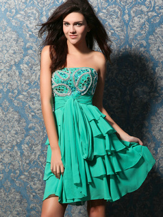 Awesome A-line Tube Top Short/Mini Tiered Homecoming Dresses