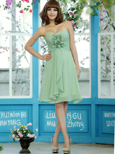 Ruched A-line Chiffon Sweetheart Knee-length Sage Flower Bridesmaid Dresses