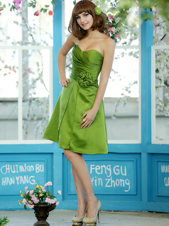 Hard-wearing A-line Stretch Satin Sweetheart Knee-length Green Sash with Flower Bridesmaid Dresses