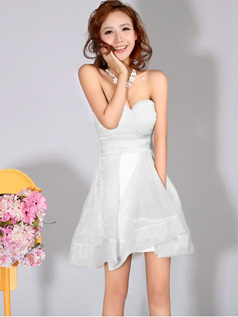 A-Line Sweetheart Strapless Short White Bridesmaid Dresses