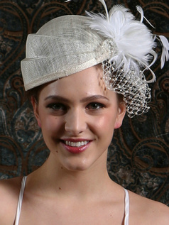 Fashion Feather Beads Wedding Hat with Fascinator