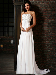 Astounding Sheath/Column Chiffon Sweep/Brush Train Beading Evening Dresses
