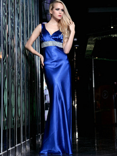Glamorous Sheath Elastic Silk-like Satin Straps Floor-length Crystal Evening Dresses