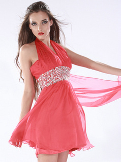 Brilliant A-line Chiffon Halter Crystal/Rhinestone Prom/Homecoming Dresses