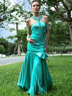 Beautiful Mermaid/Trumpet Stretch Satin Halter Bowknot Prom Dresses