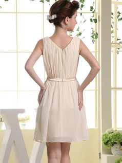 Column Bateau Short Chiffon Crystal Bridesmaid Dresses