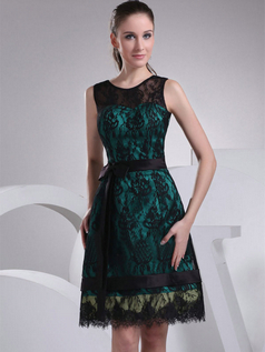 A-line Scoop Knee-length Lace Cocktail Dresses