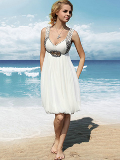 Perfect A-line Chiffon Knee-length Beading Graduation/Homecoming Dresses