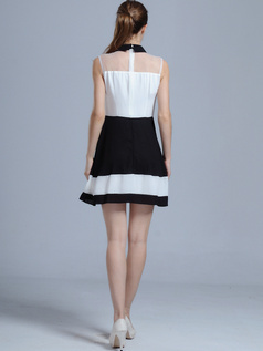 A-line High Neck Mini Chiffon Graduation Dresses
