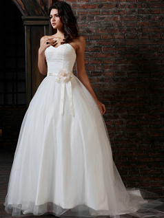 Lovely Ball Gown Tulle Sweetheart Court Train Flower Wedding Dresses