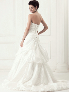 Beautiful A-line Taffeta Chapel Train Appliques Wedding Dresses