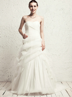 Elegant Princess Sweetheart Chapel Train Flower Wedding Dresses