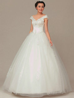 Fantasy Ball Gown Tulle Off-the-shoulder Appliques Wedding Dresses