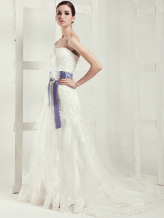Graceful A-line Lace Chapel Train Sashes Wedding Dresses