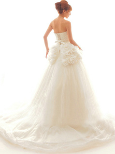 Graceful A-Line Sweetheart Court Train Cascading Ruffle Wedding Dresses