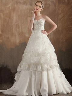 Pure Color Classic A-Line Sweetheart Strapless Sweep Train Tulle Tiered Beading Wedding Dresses