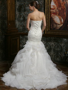 Chic Mermaid Chiffon Sweetheart Court Train Ruffles Wedding Dresses with Feathers and Lace Bodice