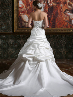 Voluminous Over Hip Satin Sweetheart Chapel Train Rhinestones Pick-Ups Wedding Dresses