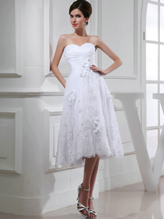 Gorgeous A-line Lace Sweetheart Appliques Wedding Dresses