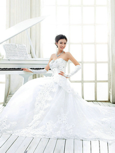 Princess Sweetheart Cathedral Train Lace Wedding Dresses
