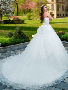Princess Sweetheart Brush Train Lace Wedding Dresses