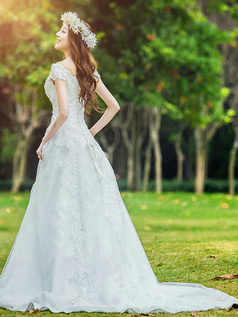 A-line Off-the-shoulder Chapel Train Lace Wedding Dresses
