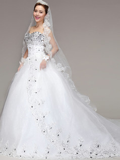 A-line Sweetheart Chapel Train Crystal Bowknot Lace Wedding Dresses
