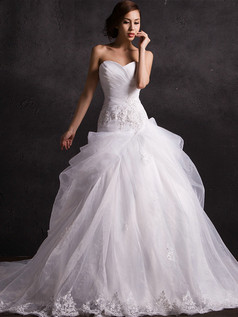 Over Hip Sweetheart Chapel Train Beading Pick-Ups Lace Wedding Dresses