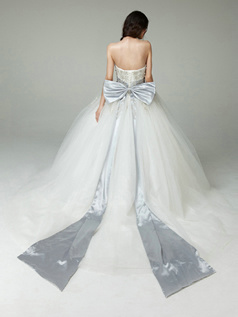 Luxurious Ball Gown Strapless Tube Top Appliques Sashes Tulle Wedding Dress