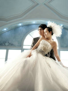 Princess Tube Top Strapless Court Train Tulle Flower Wedding Dresses With Silver Ribbon