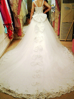 Princess V-neck Chapel Train Tulle Lace Wedding Dresses With Crystals And Bowknot