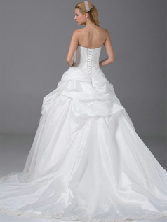 Ball Gown Sweetheart Sweep Taffeta Crystal Pick-Ups Wedding Dresses