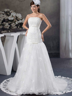 Over Hip Scalloped-edge Court Train Tulle Beading Wedding Dresses With Bowknot