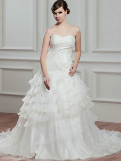 Princess Scalloped-edge Court Train Organza Beading Wedding Dresses With Tiered