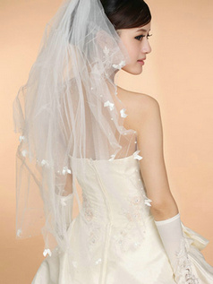 Single Layer Tulle Waltz Length Scalloped Edge Wedding Veil With Beads and Bows
