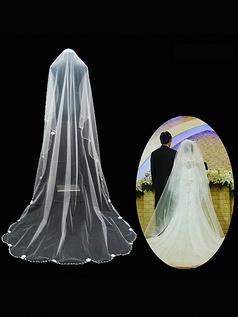 Single Layer Tulle Chapel Length Scalloped Edge Wedding Veil With Beads and Bows