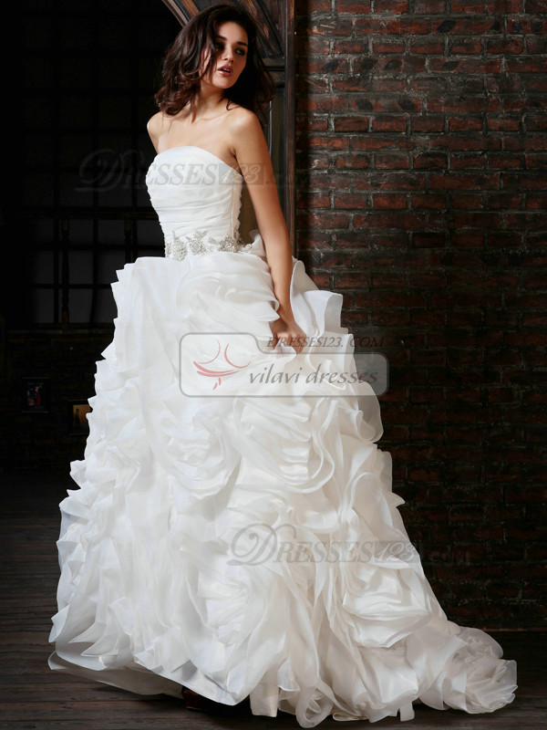 Noble Ball Gown Organza Tube Top Chapel Train Beading Wedding Dresses