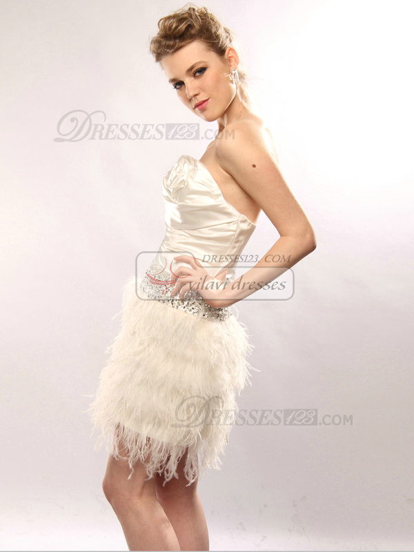 Lovely A-line Taffeta Tube Top Feathers Cocktail/Homecoming Dresses