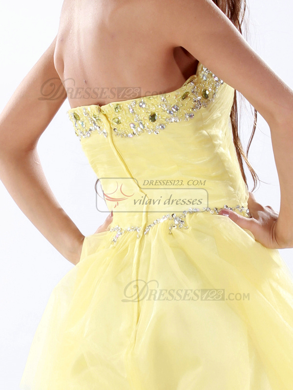 Gorgeous A-line Sweetheart Short/Mini Rhinestone Cocktail/Homecoming Dresses