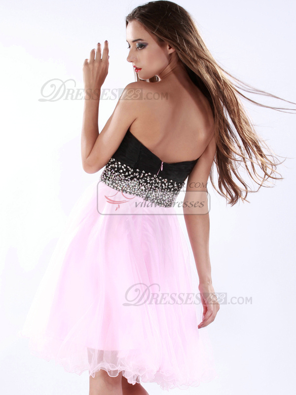 Adorable A-line Tulle Sweetheart Knee-length Cocktail/Sweet 16 Dresses