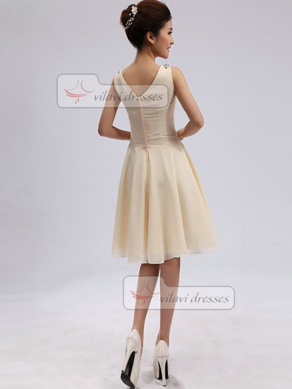 A-line V-neck Straps Knee-length Chiffon Crystal Homecoming Dresses