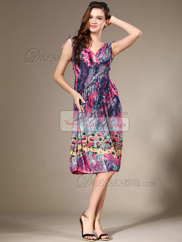 Sheath V-neck Knee-length Chiffon Print Lilac Prom Dresses