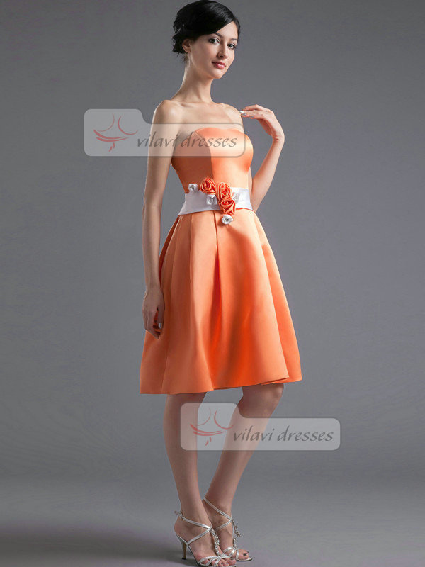 A-line Sweetheart Knee-length Satin Flower Crystal Homecoming Dresses