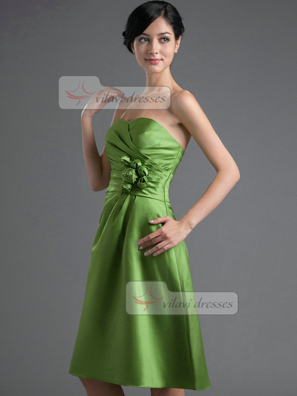 A-line Sweetheart Knee-length Satin Flower Tiered Homecoming Dresses