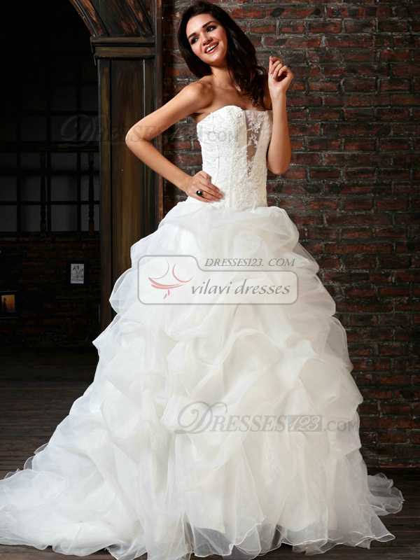 Fantasy Ball Gown Tulle Sweetheart Chapel Train Appliques Wedding Dresses