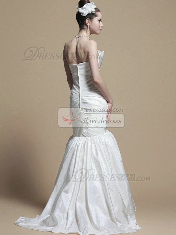 Gorgeous Mermaid Taffeta Scalloped-edge Tiered Wedding Dresses