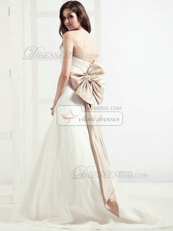 Graceful A-line Taffeta Chapel Train Sashes Wedding Dresses