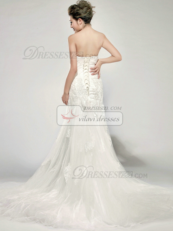 Graceful A-Line Lace Sweetheart Court Train Wedding Dresses