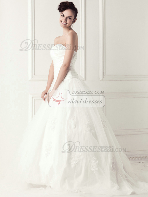 Lovely Ball Gown Strapless Chapel Train Appliques Wedding Dresses